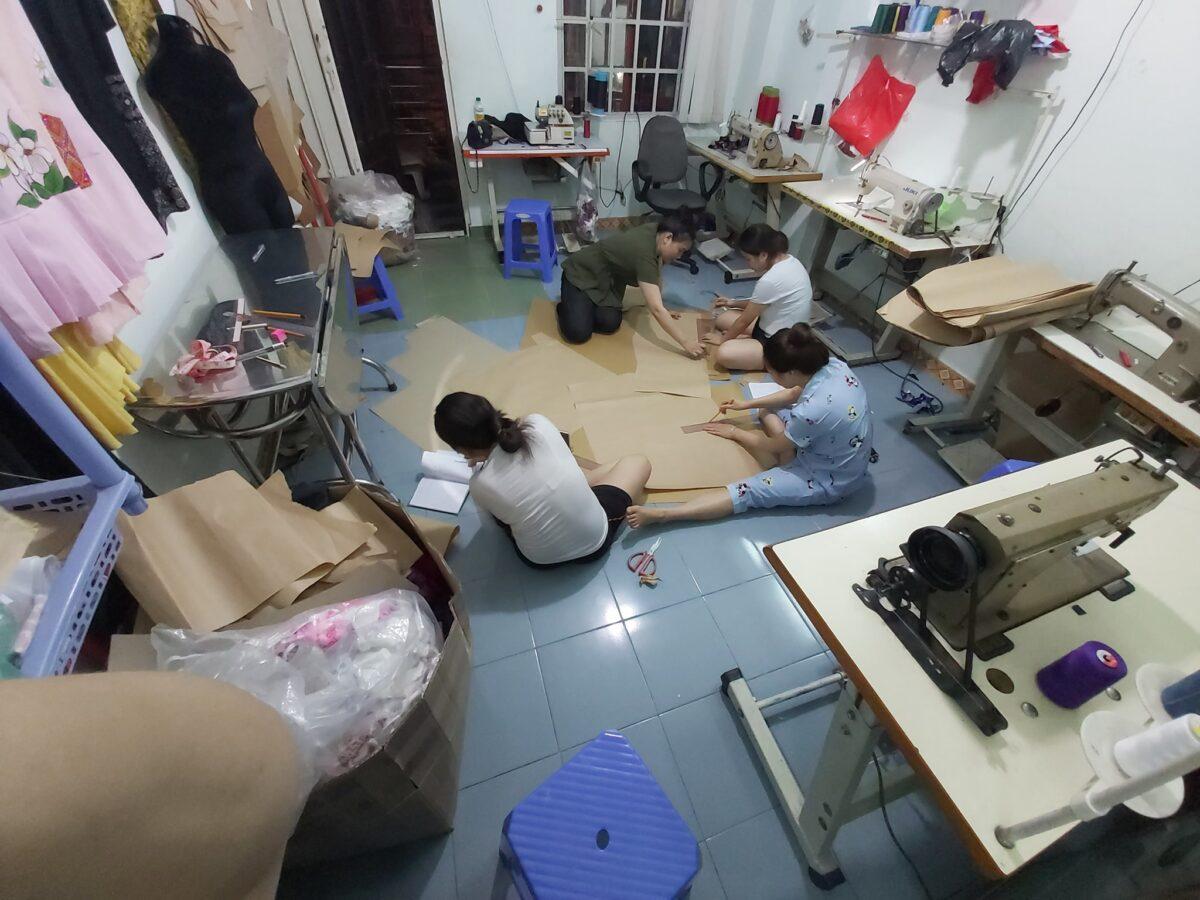 Lớp học thổ cẩm miễn phí cho người Mông tại thành phố Hồ Chí Minh
